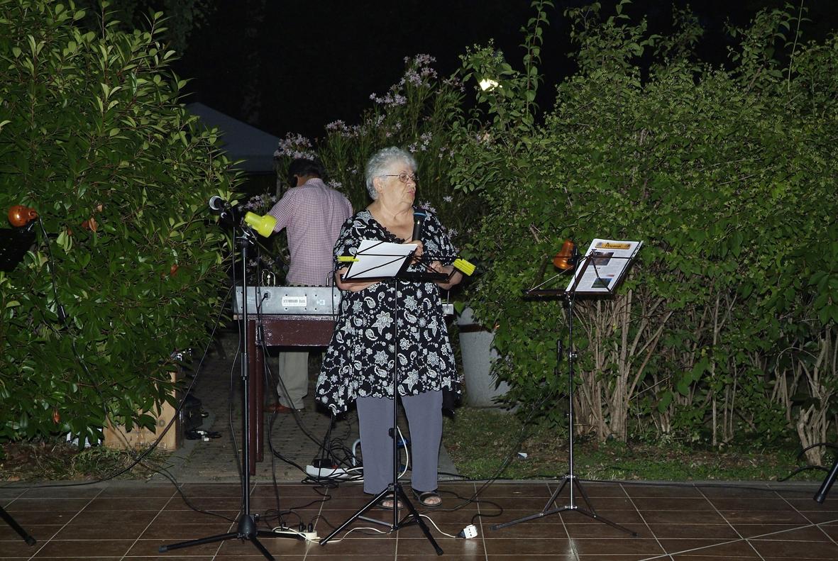 Lina Cremonini presenta il Caffè Letterario-Musicale